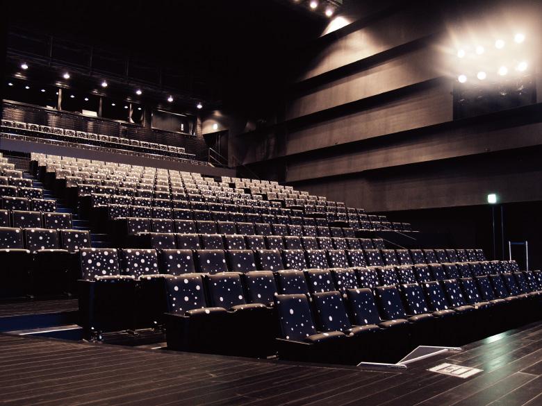 美浜文化ホール客席